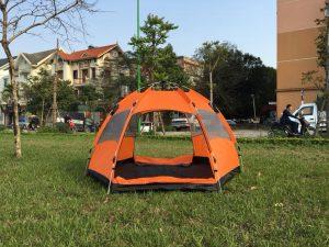 Nên mua lều nào cho mùa hè
